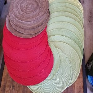 Other - 24 Round Woven Placemats